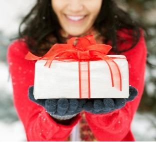 https://www.promotionmagazine.it/wp/wp-content/uploads/2014/12/Xmas_gifts_for_women.jpg