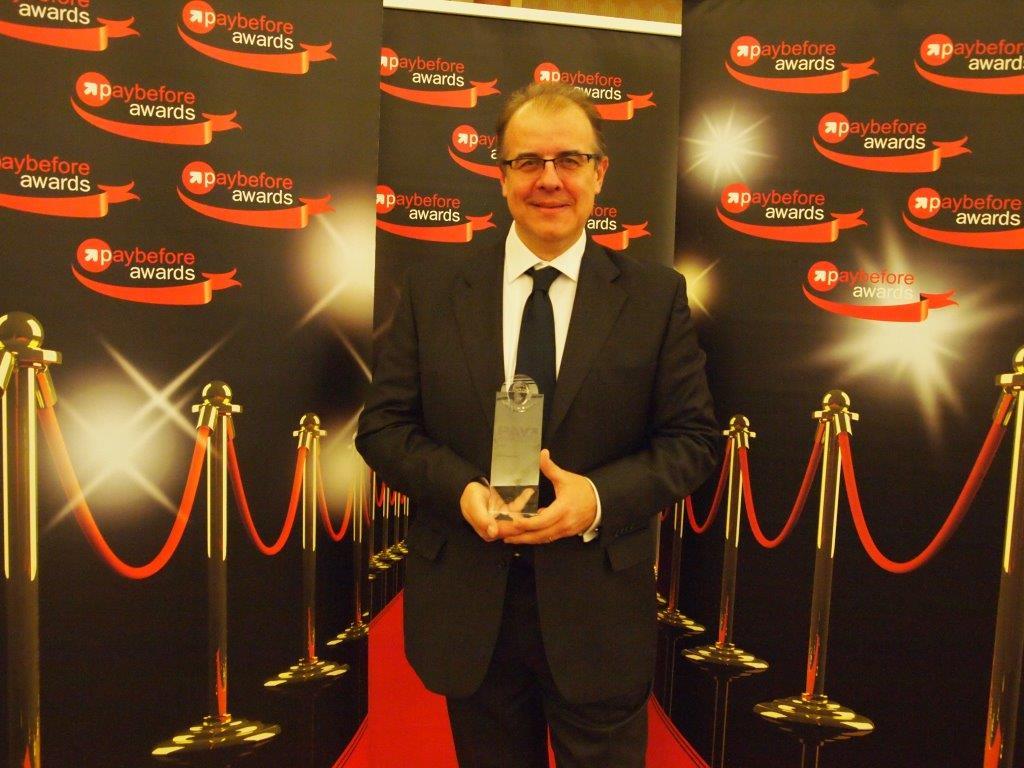 https://www.promotionmagazine.it/wp/wp-content/uploads/2015/06/Gaetano-Gianneto-CEO-Epipoli-Riceve-il-premio-per-Ricarica-Casa.jpg