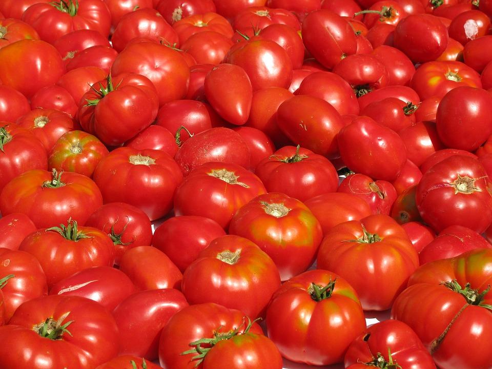 https://www.promotionmagazine.it/wp/wp-content/uploads/2016/03/tomatoes-1243132_960_720.jpg
