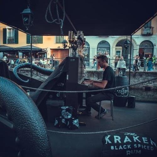 https://www.promotionmagazine.it/wp/wp-content/uploads/2019/03/You-Events_The-Kraken-Rum_Navigli-Milano.jpg